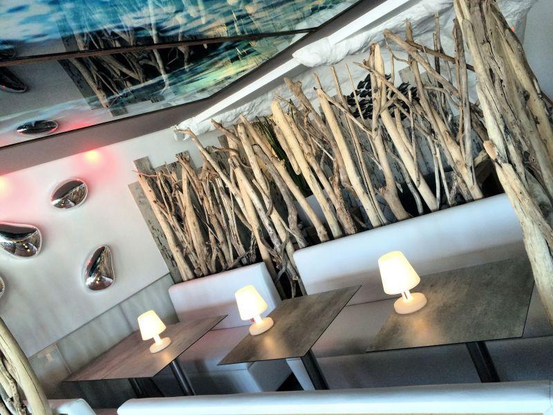 Decoration restaurant bois