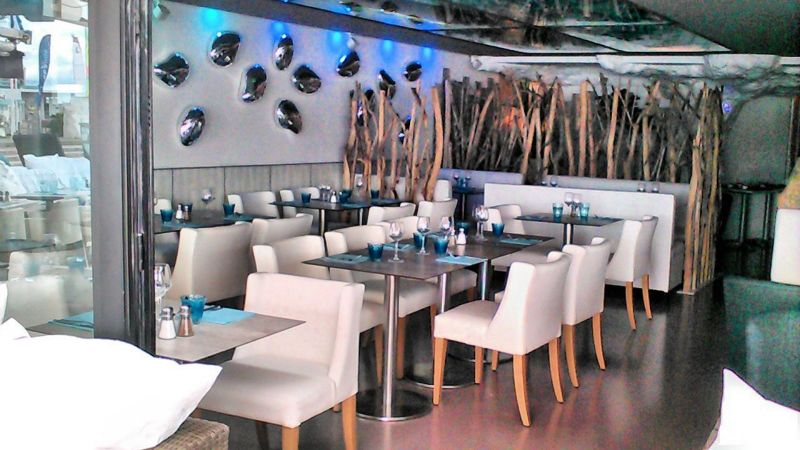 Transformation du restaurant l 39 abordage st cyr sur mer var 83270 d coration d 39 int rieur et for Couleur restaurant tendance