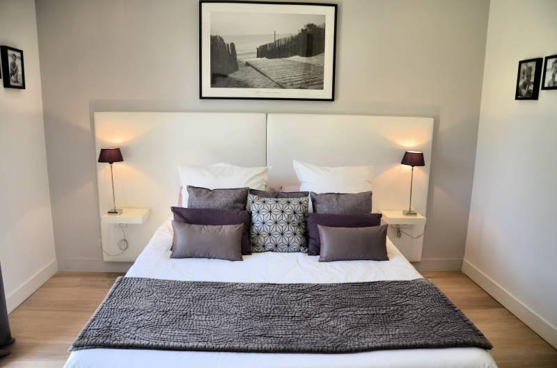 cr ation d 39 int rieur d 39 une villa sur la cadi re d 39 azur. Black Bedroom Furniture Sets. Home Design Ideas